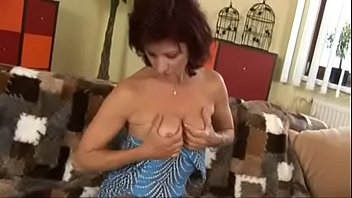 3 gp mom free dunwload video Perfect dick flash to cleaning lady